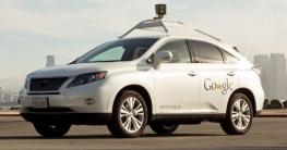 Biker verunsichert Google-Fahrzeug
